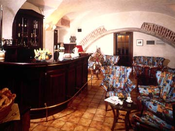 Photos Old Style Bars Isis Hotel Luxor Accommodation Egypt