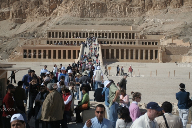 Queen Hatshepsut�s temple at Deir al-Bahari: (The Splendor of all Splendors)